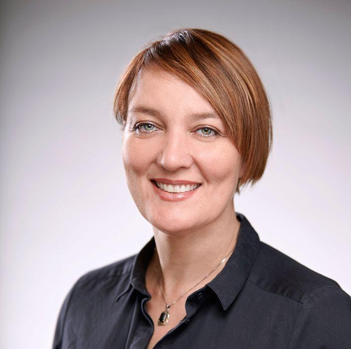 Inga Dóra Hrólfsdóttir hóf störf hjá Hitaveitu Reykjavíkur 1996 og var ráðin framkvæmdastjóri Veitna við stofnun fyrirtækisins árið 2014