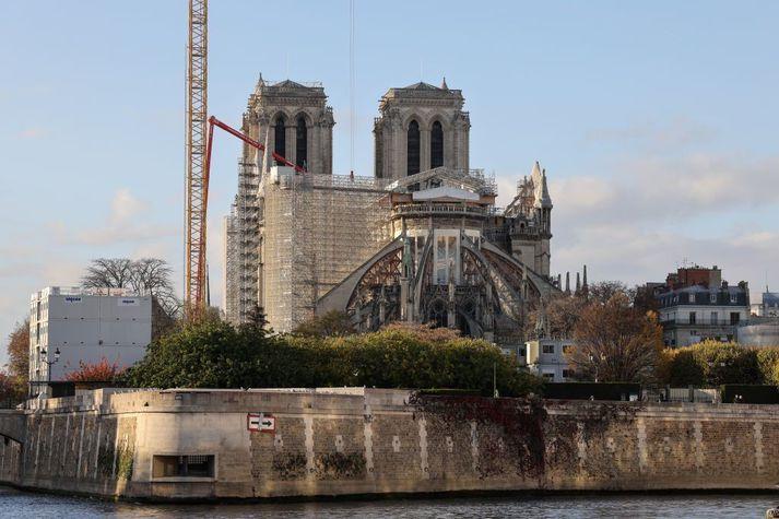 Frá framkvæmdum við Notre Dame í París í nóvember síðastliðinn.