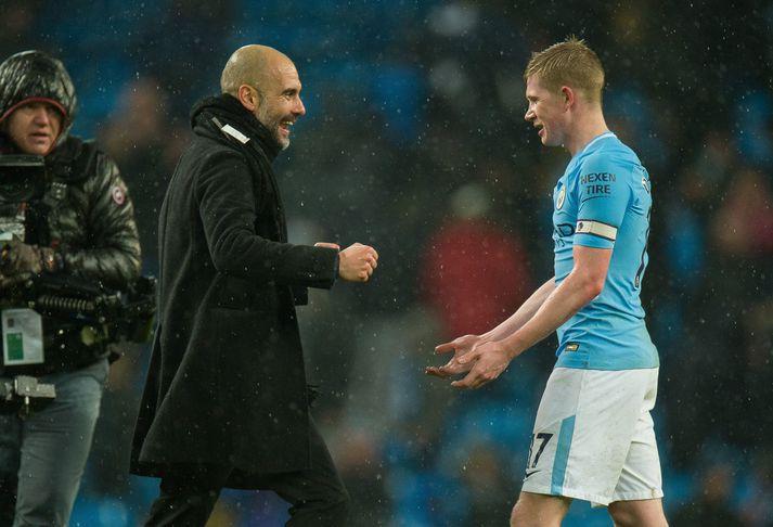 Pep Guardiola og Kevin De Bruyne verða áfram hjá Man City næstu árin.