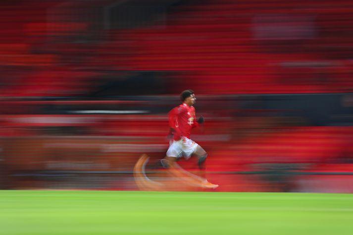 Marcus Rashford meiddist lítillega gegn Liverpool um helgina en er klár í slaginn annað kvöld.