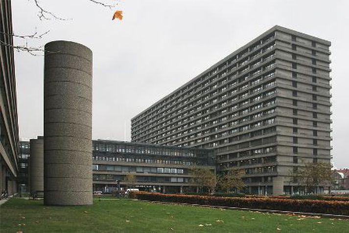 Barnið var umsvifalaust flutt á Rigshospitalet í Kaupmannahöfn.