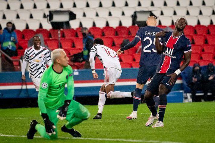 Rashford fagnar sigurmarkinu gegn PSG í fyrri leiknum.