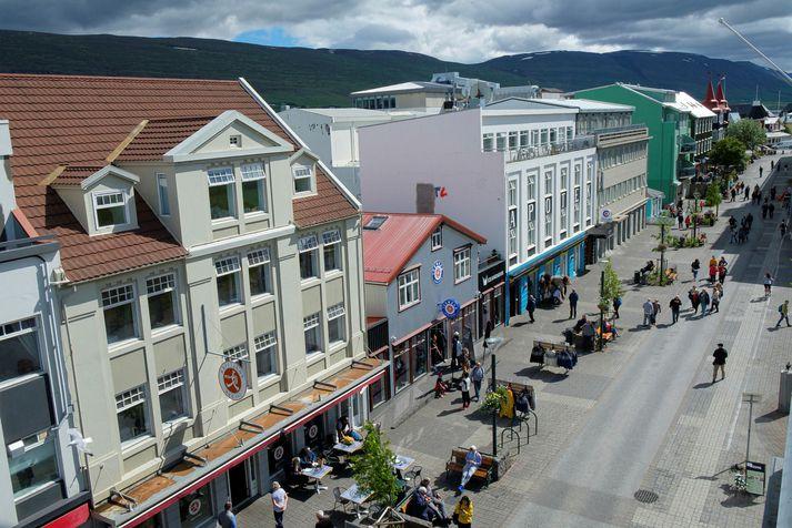 Rjómablíða er á Akureyri.