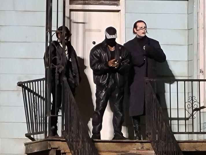 Manson og DaBaby hafa báðir komið fram á hlustunarpartýjum West á Mercedes -Benz leikvanginum í Atlanta.
