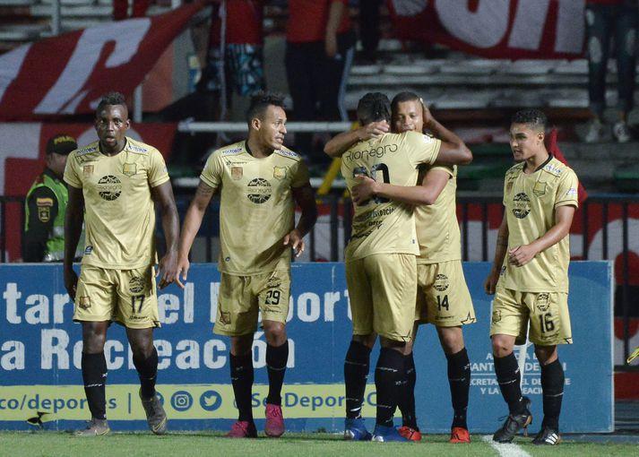 Sjö leikmenn Rionegro Aguilas sýndu hetjulega baráttu gegnBoyaca Chico.