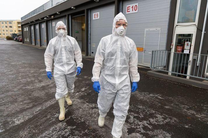 Um 5.600 manns hafa smitast af kórónuveirunni á Íslandi frá upphafi faraldursins.