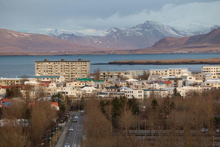 Hiti á landinu verður 0 til 8 stig yfir daginn og mildast suðvestantil.