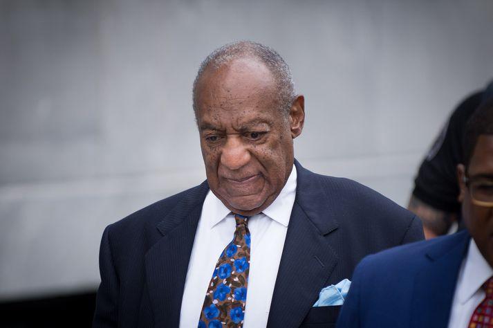 Cosby er 82 ára gamall. Hann afplánar nú fangelsisdóm vegna kynferðisbrots.