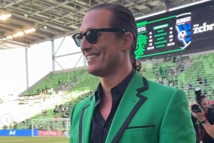 Matthew McConaughey var flottur í grænu jakkafötunum sínum.