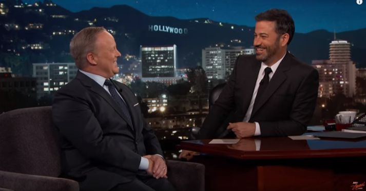 Sean Spicer var gestur Jimmy Kimmel í gærkvöldi.