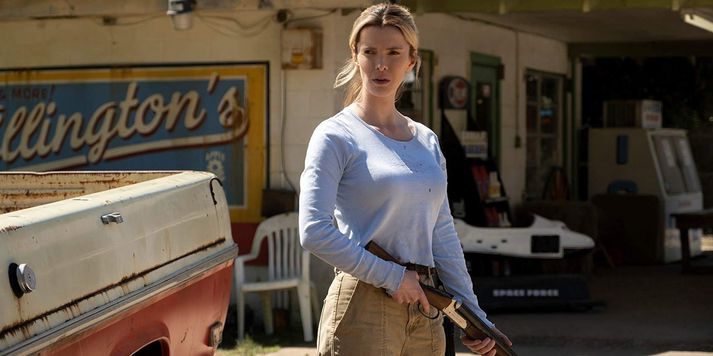 Crystal (Betty Gilpin) er hetja The Hunt.