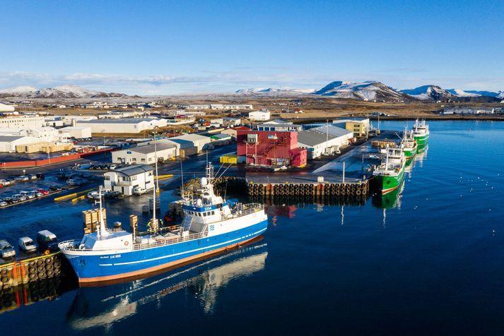 Valdimar GK við höfnina í Grindavík.