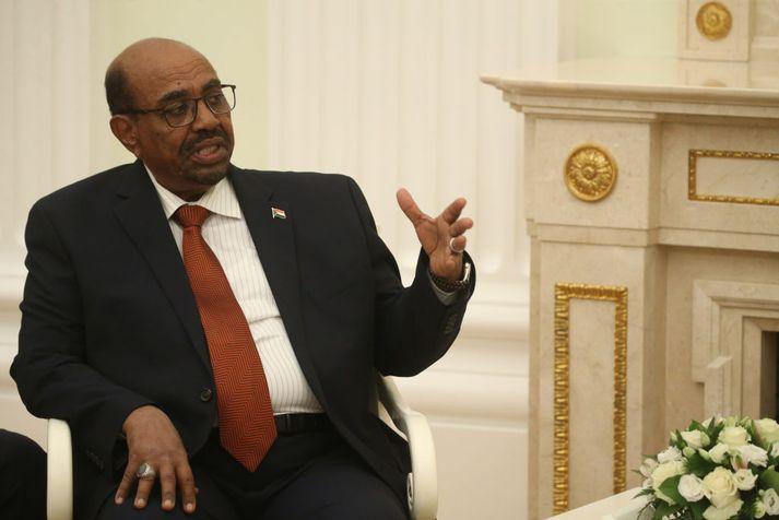 Fráfarandi forseti Súdan, Omar al-Bashi hefur verið sakaður um peningaþvætti.