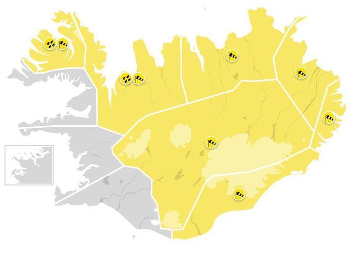 Gular viðvaranir eru í gildi á norðanverðu og austanverðu landinu.
