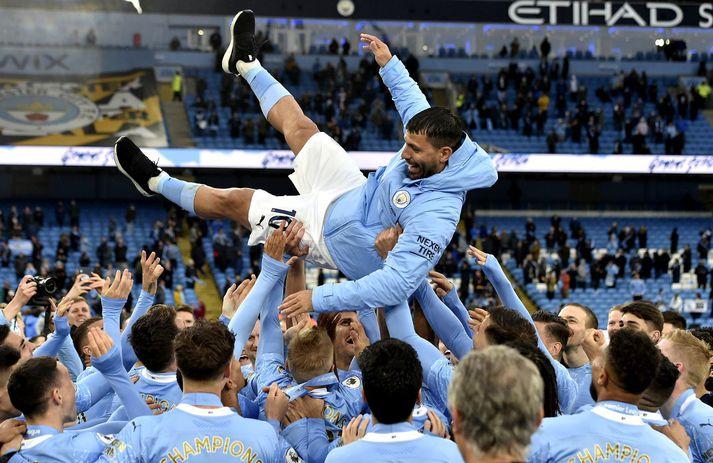 Sergio Aguero fékk flugferð eftir síðasta deildarleikinn sinn með Manchester City.
