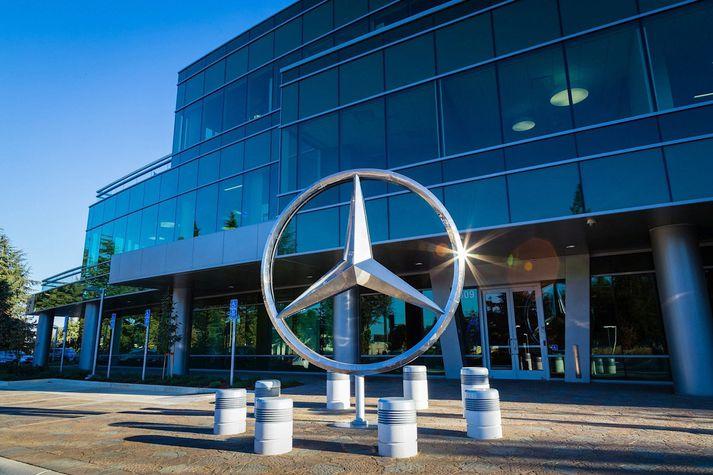 Mercedes Benz sektað um 118 milljarða króna en það mun þó að sögn móðurfélagsins ekki hafa veruleg áhrif á afkomu þriðja ársfjórðungs.