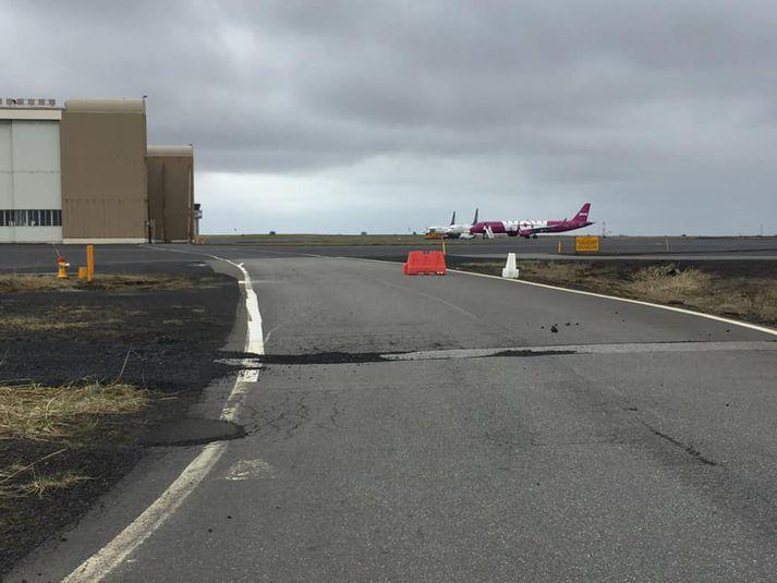 WOW air Airbus-vélin umtalaða á Keflavíkurflugvelli í dag.