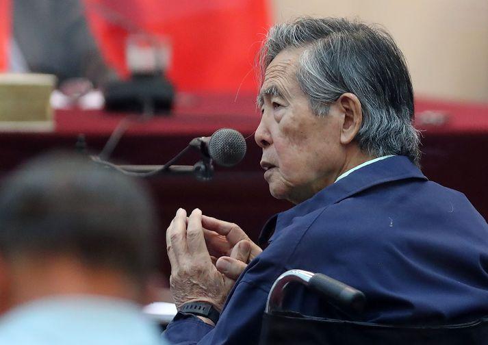 Fujimori var forseti Perú frá 1990 til 2000. Hann var frameldur frá Japan árið 2007 og var síðar dæmdur fyrir mannréttindabrot og spillingu.