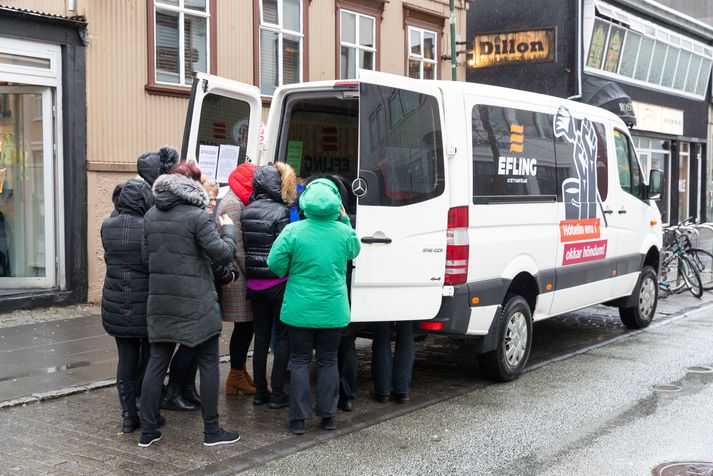 Frá atkvæðagreiðslu Eflingar um verkfallið á morgun við hótel eitt í miðbæ Reykjavíkur.