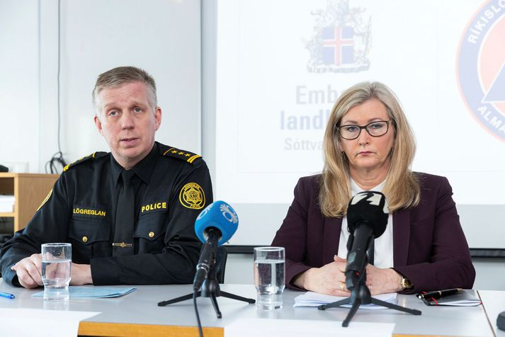 Víðir Reynisson yfirlögregluþjónn og Alma Möller landlæknir hafa staðið í ströngu undanfarnar vikur.