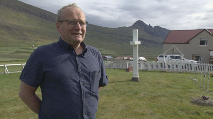 Oddgeir Sigurjónsson er bóndi á Myrká en einnig heilbrigðisfulltrúi og ostagerðarmeistari.