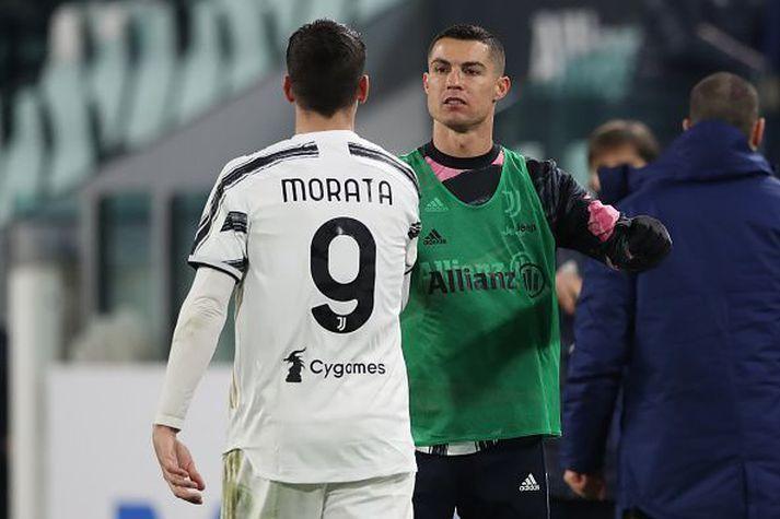 Ronaldo fagnar með Morata í leik helgarinnar, þar sem Ronaldo sat á bekknum.