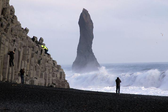 Reynisfjara er gífurlega vinsæll áfangastaður ferðamanna sem hingað koma til lands.