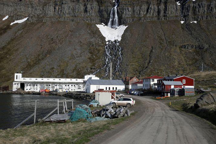 Í Djúpavík á Ströndum