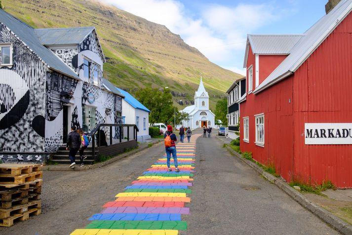 Myndin er tekin á Seyðisfirði, vinsælum áfangastað á Austurlandi.