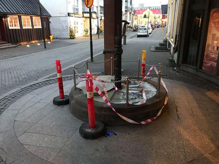 Ingólfsbrunnur í Aðalstræti í Reykjavík hefur ekki mikið aðdráttarafl þessa dagana.