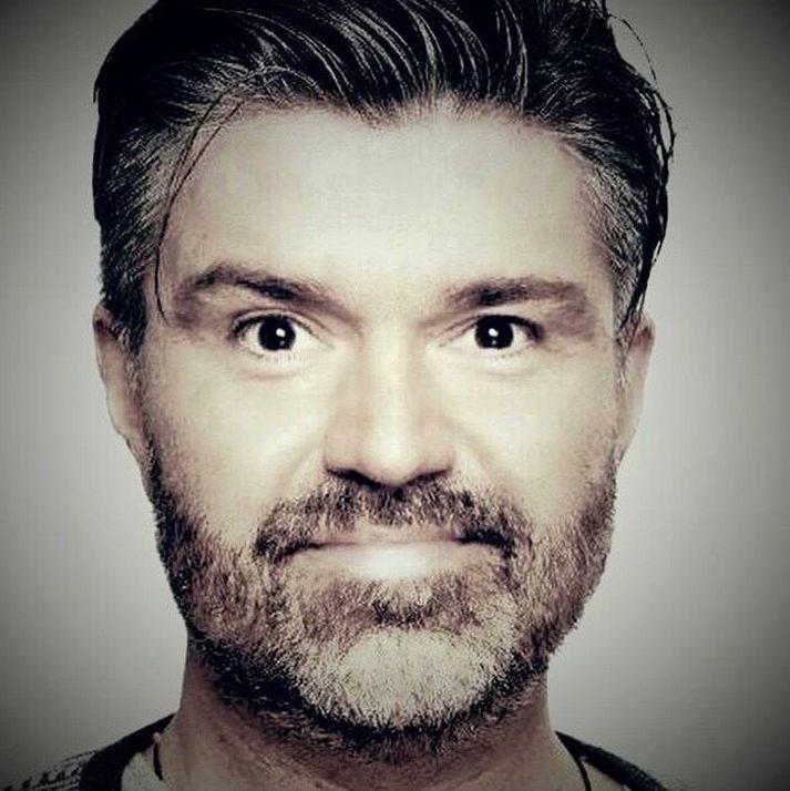 Ásgeir Magnús Sæmundsson er látinn, 55 ára að aldri.