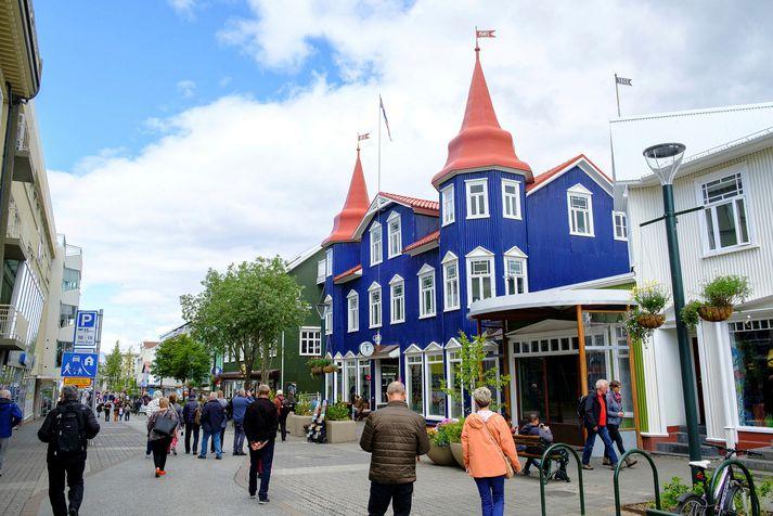 Það er heiðskírt og þrettán gráður á Akureyri þegar þessi frétt er skrifuð. Myndin er frá öðrum fallegum degi norðan heiða.