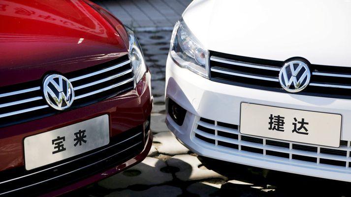 Á meðan sala bíla í Kína minnkaði um 13% jók Volkswagen söluna um 1,3%.