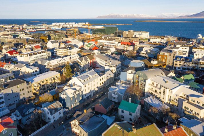 Leiguverð á höfuðborgarsvæðinu stendur í stað milli mánaða og þá hefur leigusamningum fækkað.