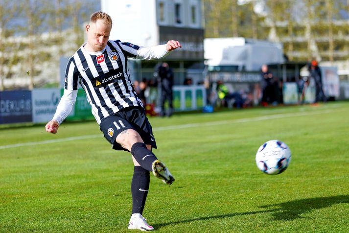 Kennie Chopart fiskaði vítaspyrnu fyrir KR gegn Keflavík.