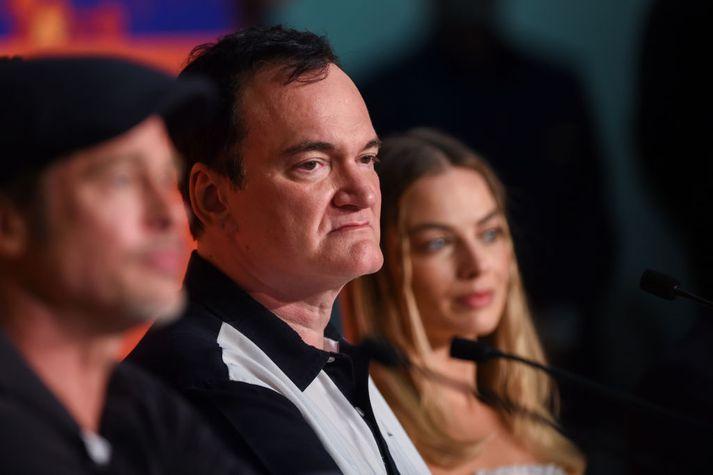 Quentin Tarantino hefur fengið erfiðar spurningar frá blaðamönnum á Cannes vegna nýjustu myndar sinnar.