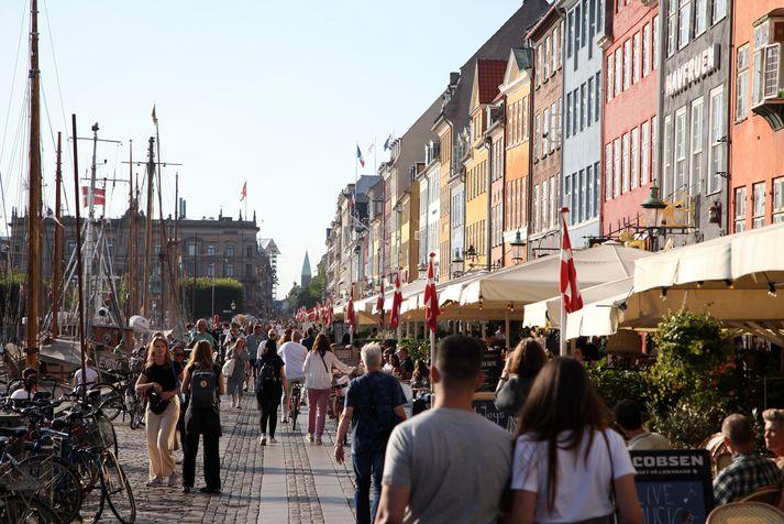 Samkomutakmörkunum var fyrst komið á í Danmörku 11. mars 2020. Myndin er tekin í Nyhavn í upphafi þessa mánaðar.
