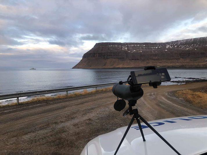 Mynd er frá því í dag þegar að varðskipið Týr var við vinnu á vettvangi.