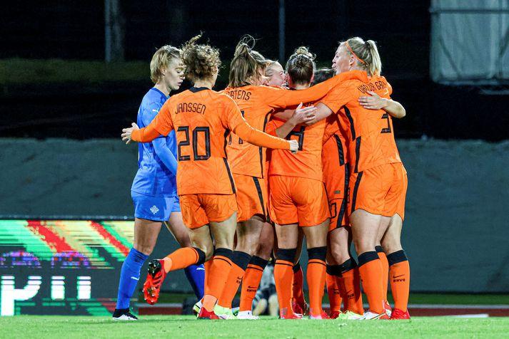 Hollenska landsliðið var nokkuð sannfærandi gegn Íslandi á Laugardalsvelli á þriðjudag og vann 2-0 sigur.