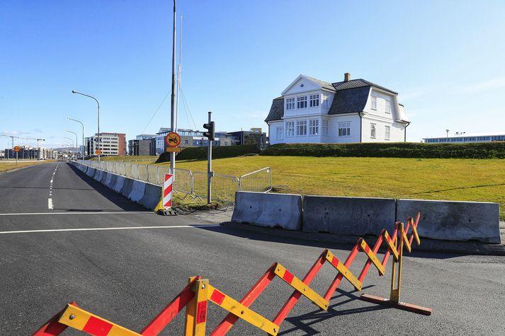 Þessar framkvæmdir munu hafa áhrif á þrenn gatnamót við Sæbraut.