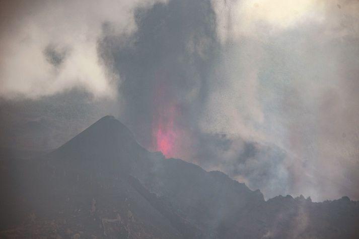 Hraunflæði er sagt hafa aukist töluvert á La Palma.
