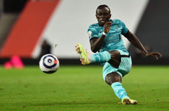 Sadio Mané varð að gera sér að góðu á byrja á varamannabekknum gegn Manchester United.