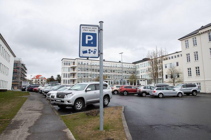 Bílastæðaþjónusta EasyPark hefur verið aðgengileg á Íslandi eftir að fyrirtækið keypti Leggja árið 2019.