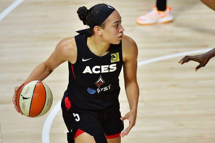 Dearica Hamby í leik með Las Vegas Aces liðinu í WNBA deildinni.