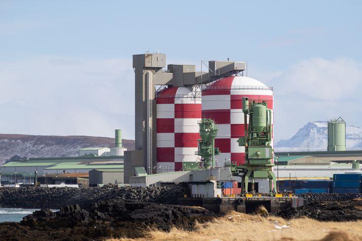 Frá álverinu í Straumsvík.