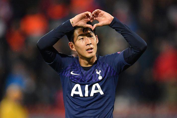 Son Heung-min þakkar fyrir allan stuðninginn með því að senda hjarta til stuðningsmanna Tottenham.