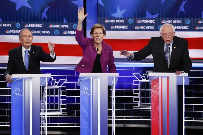 Mike Bloomberg, til vinstri, og Bernie Sanders, til hægri, eru þeir einu meðal stóru frambjóðendanna sem virðast eiga nóg í kosningasjóðum sínum.