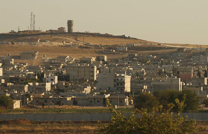 Kobane er að finna á Sýrlandsmegin á landamærum Tyrklands og Sýrlands.