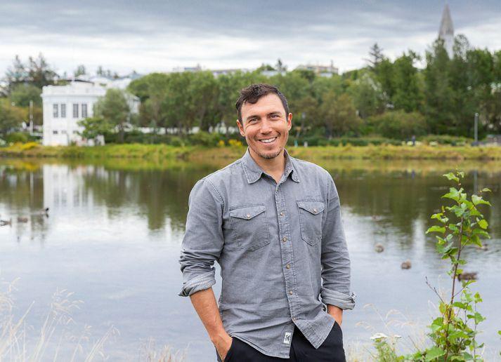 Chris Burkard segir að samband sitt við Ísland verði sífellt sterkara.