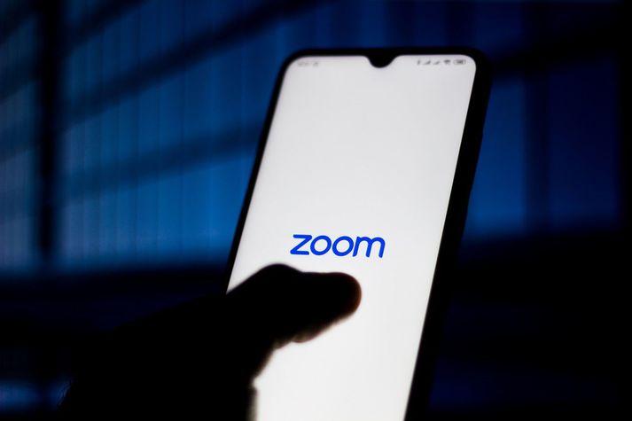Talsmaður Zoom segir starfsmenn fyrirtækisins miður sín vegna áreitisins.